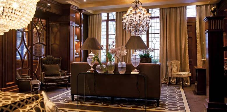 Hotel Estherea, lounge interior