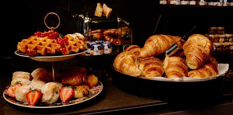 Hotel Estherea, breakfast restaurant