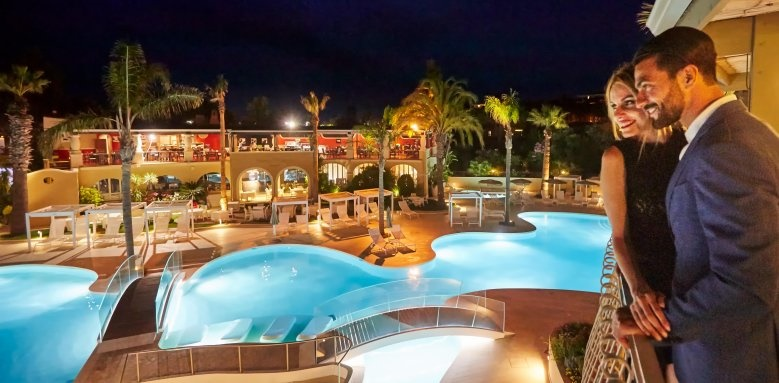 Hotel Castello, pool at night