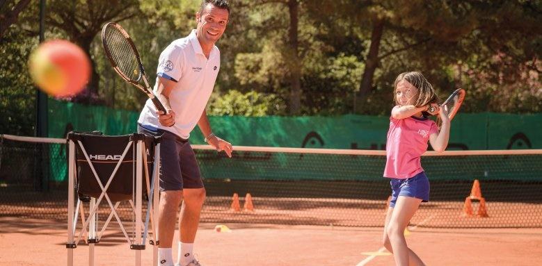Hotel Bouganville, tennis academy