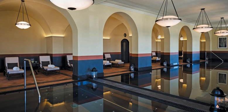 Regent Porto Montenegro, spa pool