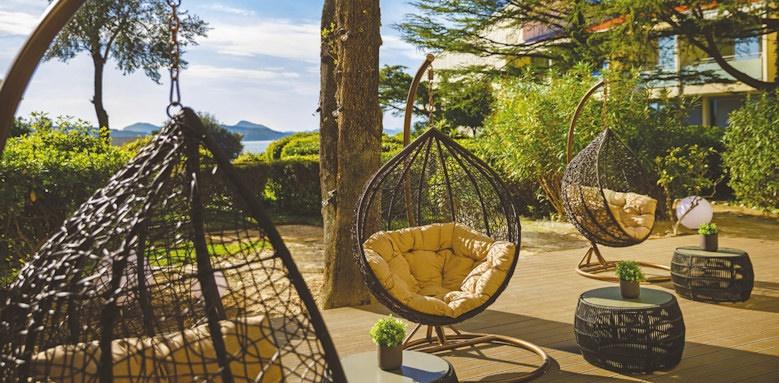 valamar argosy, outdoor lounge