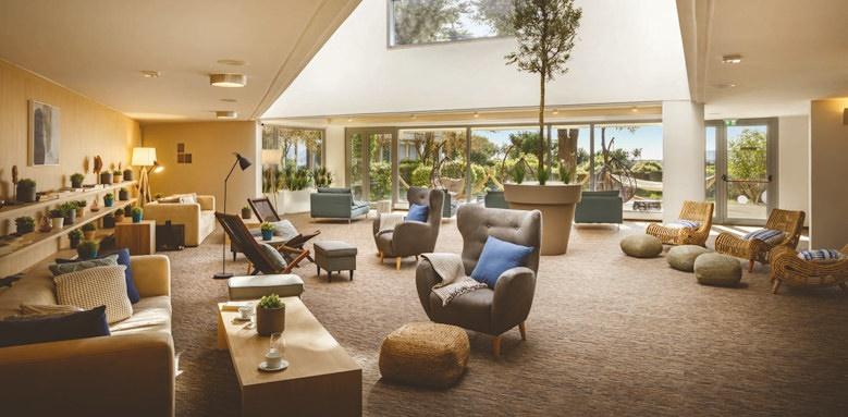 valamar argosy, lounge and library