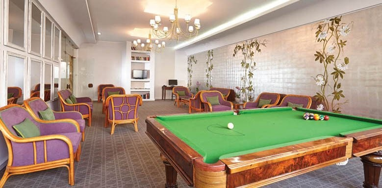 Hotel Madeira, games room