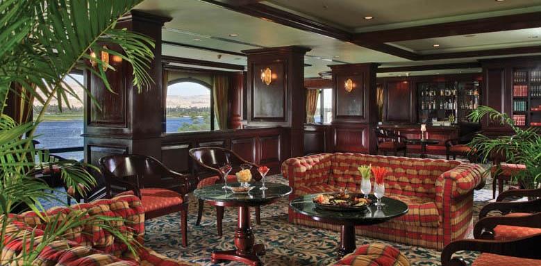 Sonesta St George Hotel, Nobles Bar & Lounge