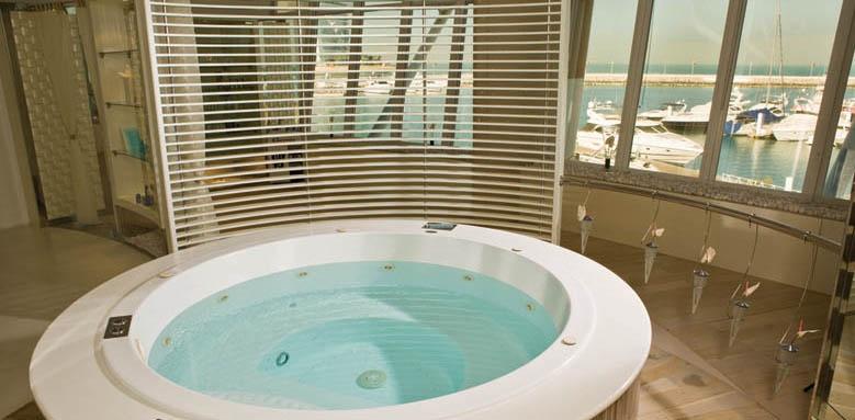 Jumeirah Beach Hotel, spa jacuzzi