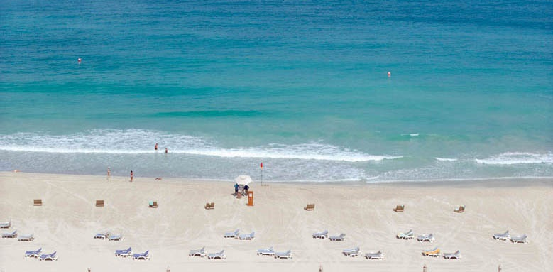 Jumeirah Beach Hotel, beach