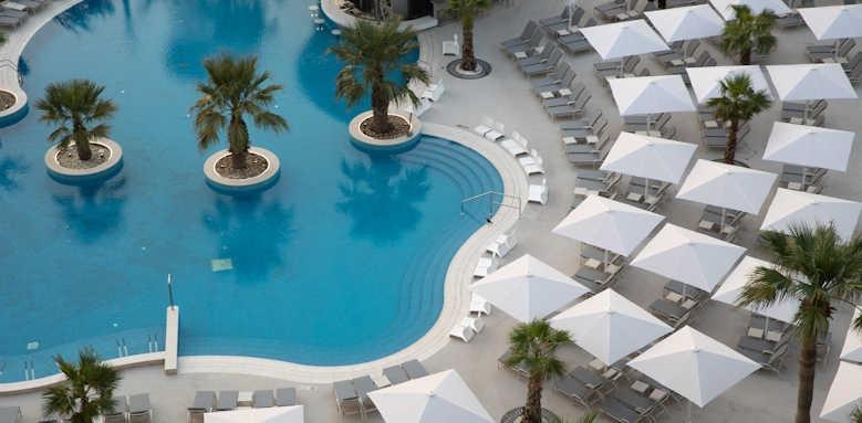 Jumeirah Beach Hotel, Pool view