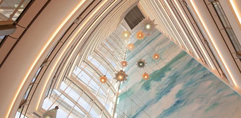 Jumeirah Beach Hotel, atrium