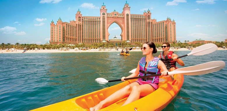 Atlantis The Palm, canoeing