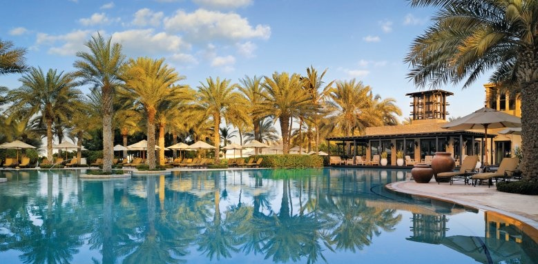 One & Only Royal Mirage - Arabian Court, pool and restaurant