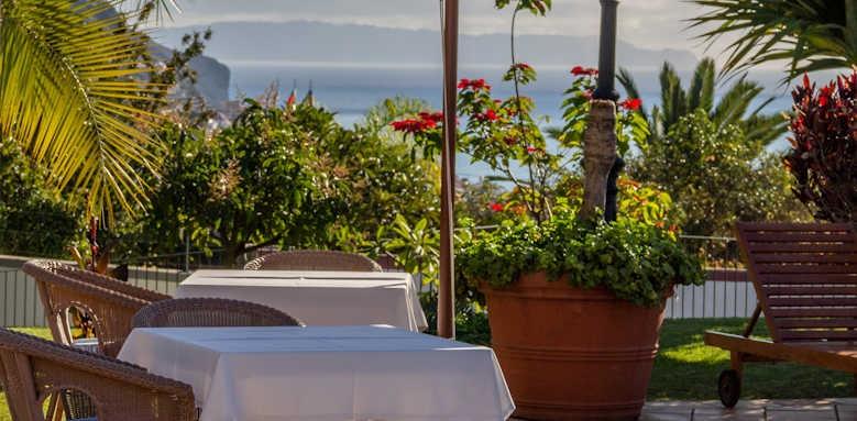 Jardins do Lago, outside dining