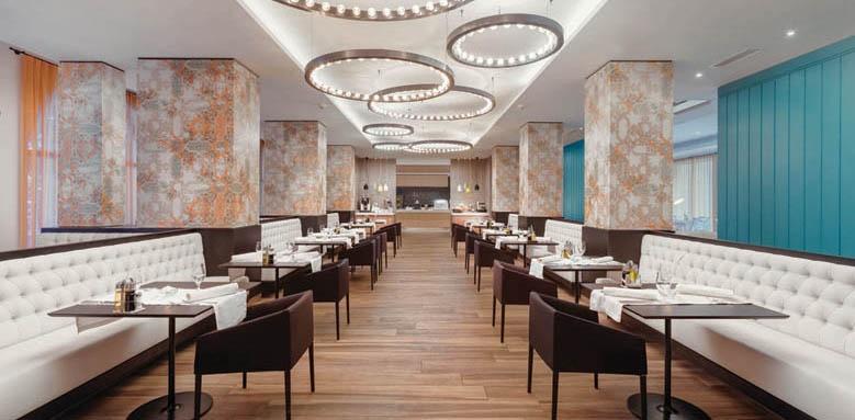 Budva, restaurant
