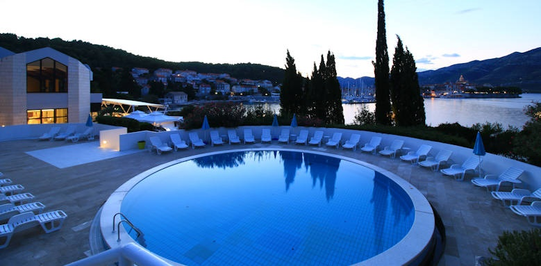 Hotel Liburna, pool in the evening
