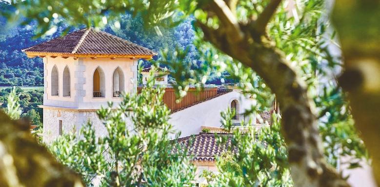 Park Hyatt Mallorca, view through the trees