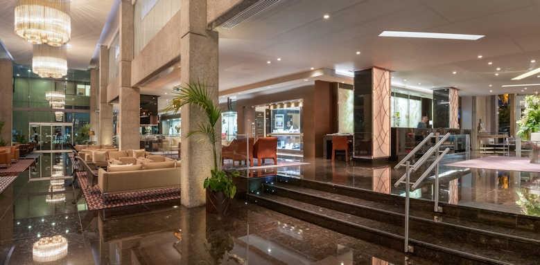 amathus beach hotel limassol, Hotel lobby