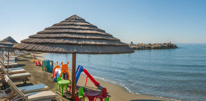 amathus beach hotel limassol, Family beach