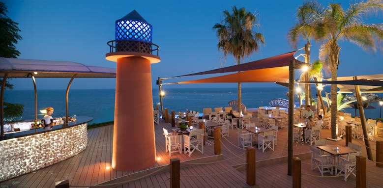 amathus beach hotel limassol, bar