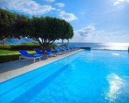 st nicolas bay, infinity pool