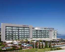 Radisson blue resort, thumbnail image