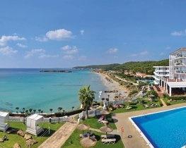 Sol Menorca, pool and view