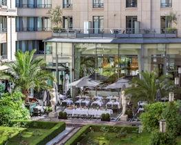L'Hotel du Collectionneur, Thumbnail Image