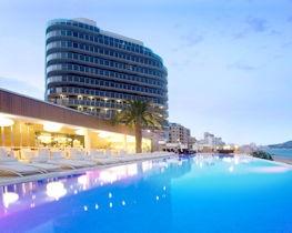 Gran Hotel Sol y Mar, pool