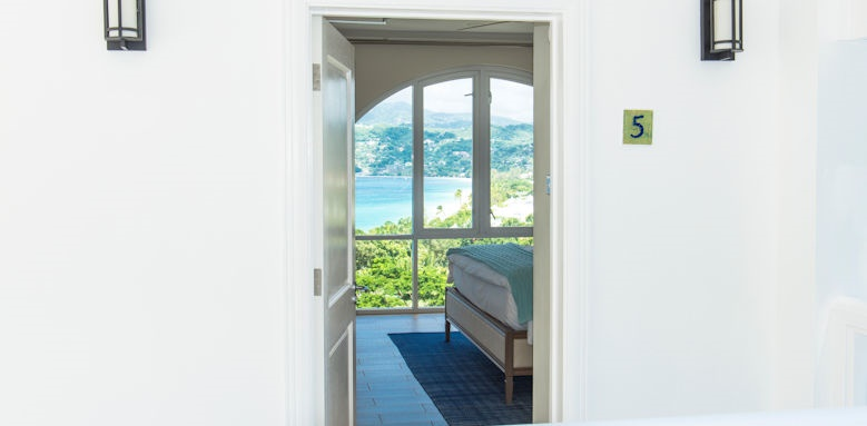 Mount Cinnamon,  Suite with sea view