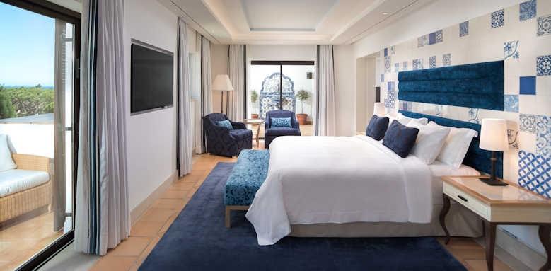 Pine Cliffs Hotel, Neptune Suite