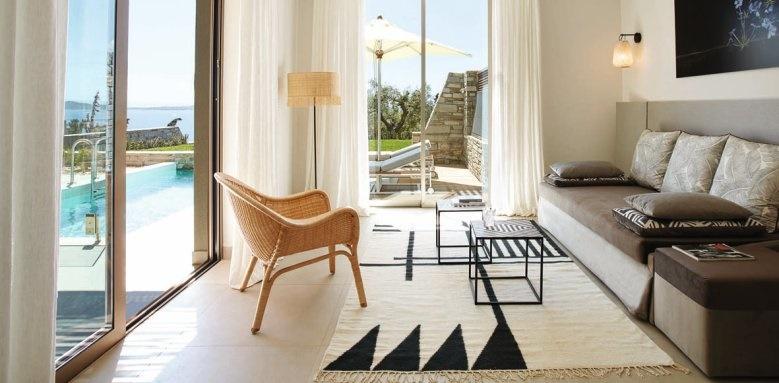 eagles villas, one bedroom pool villa with garden