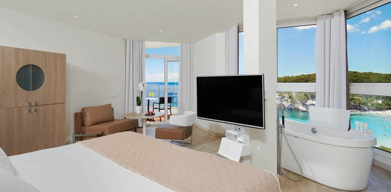 Melia Cala Galdana, juniot suite the level
