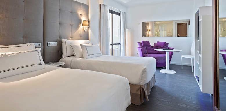 Palma Marina, premium partial promenade view room