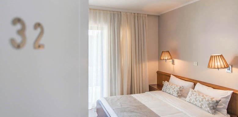 Avra City Hotel, standard