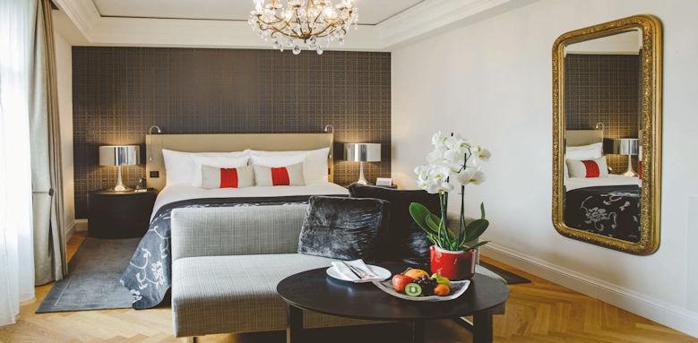 Schweizerhof Bern, charming king room