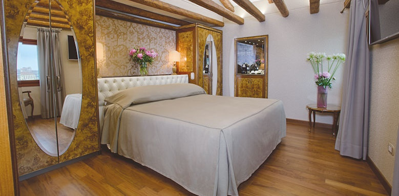 Hotel Santa Chiara, Suite Grand Canal  Image