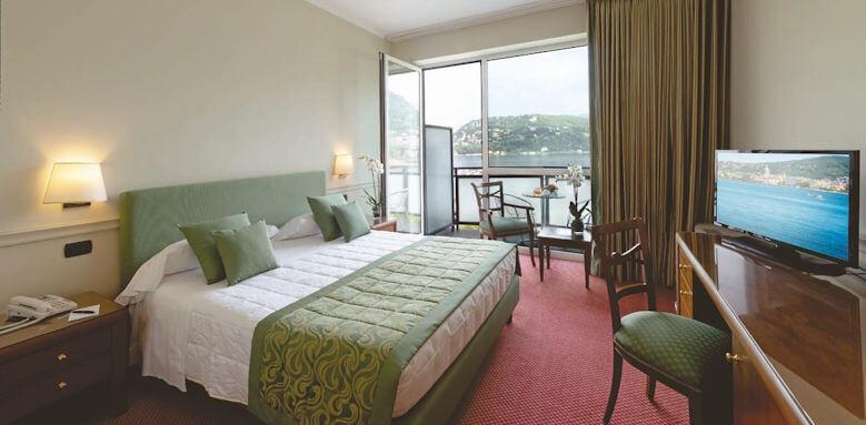 Hotel Barchetta Excelsior, classic lake