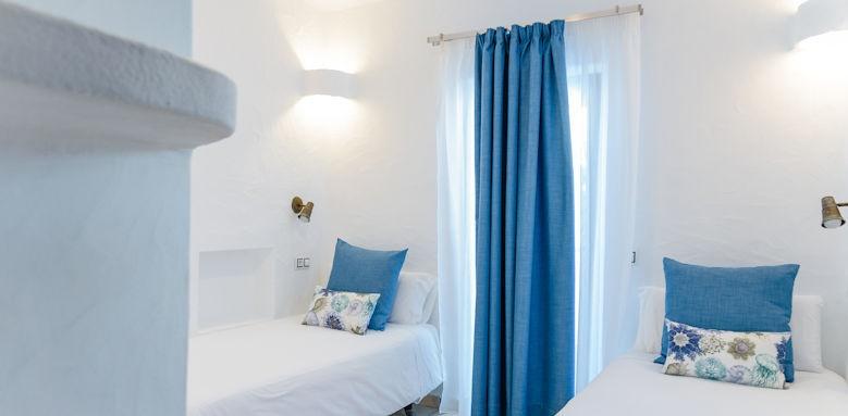 Villa Kamezi, Rustic Three Bedroom Villa