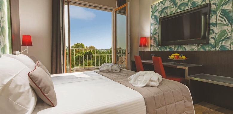 Hotel Manin, classic garden view