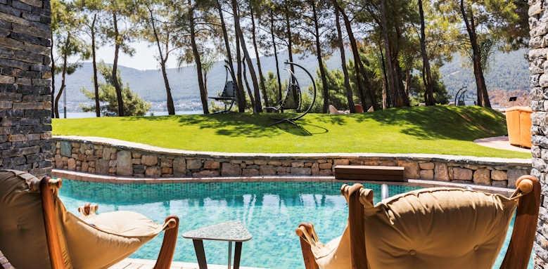 Lujo Hotel, Inidgo Laguna Clubber villa