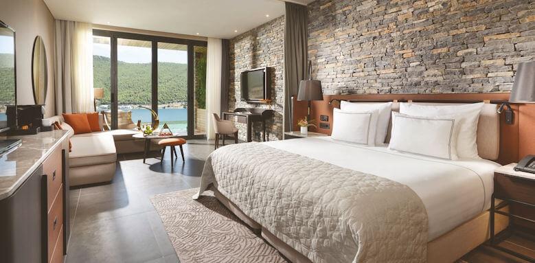 Lujo Hotel, laguna deluxe swim up room