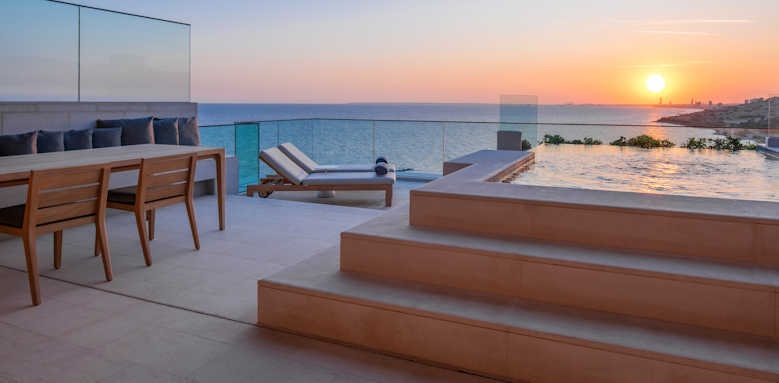 Amara, duplex rooftop terrace with private pool