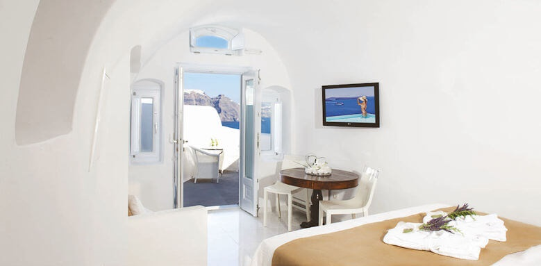 Canaves Oia Hotel, classic suite