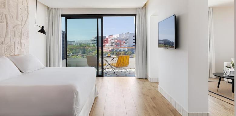 H10 Atlantic Sunset, junior suite