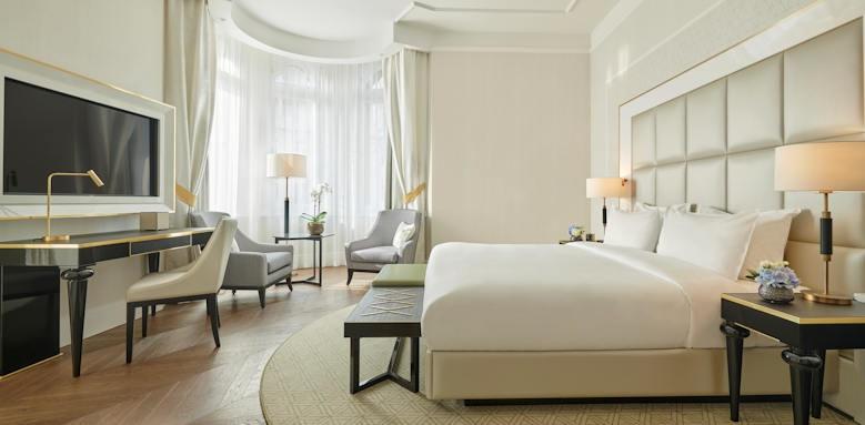Parisi Udvar Hotel, heritage colection