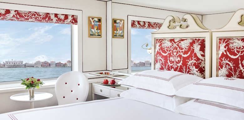 River Countess, deluxe stateroom