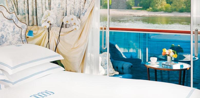 SS Antoinette, deluxe balcony
