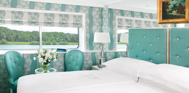 River Empress, deluxe stateroom