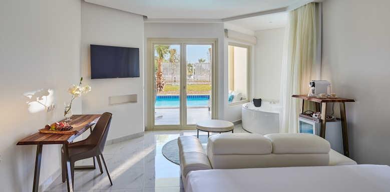 Steigenberger Pure Lifestyle, swim up suite