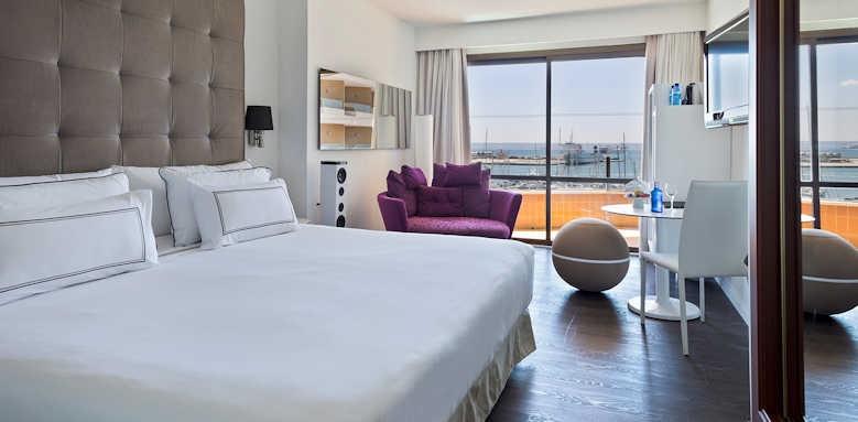 Palma Marina, the level premium sea view room