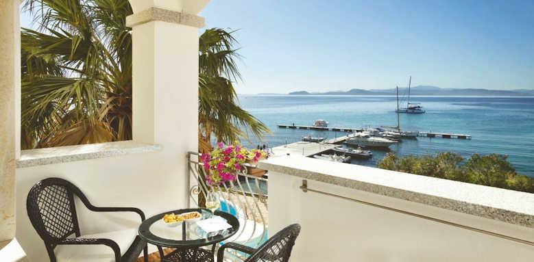 Gabbiano Azzurro, Comfort room sea view